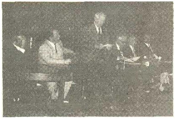 Radno predsjedništvo sačinjavali su dosadašnji predsjednici Društva (s lijeva na desno): Jakub Ramadanović, Milorad Kukolj, Milan Vinterhalter, Bogoljub Jovanovlć (sadašnji predsjednik), Zvonko Budimski i Mustafa Lagumdžija.